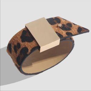 Jewelry - WEEKEND ONLY ✨Leopard Print Belt Band Bracelet ✨